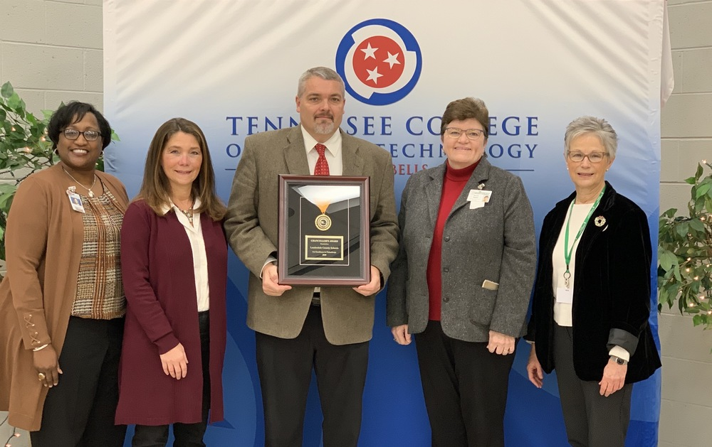 Lauderdale County Schools Receive Chancellor's Award for Excellence in Philanthropy