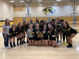 HHS Volleyball Wins District Tournament