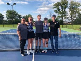 HHS Tennis Players Advance to State Tournament