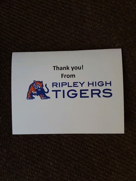 Thank you notes being sent by RHS to deployed soldiers.
